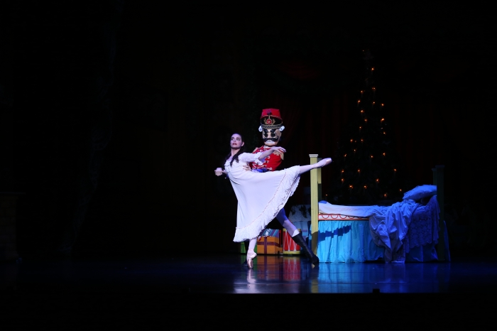 Queensland Ballet The Nutcracker. Junior Solost Teri Crilly and Nutcracker Prince. Image David Kelly