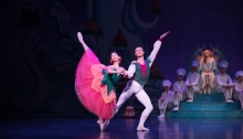 QB The Nutcracker 2017 - Soloists Lina Kim and Joel Woellner - Photo David Kelly